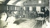 """הנשיא זלמן שז""""ר מקבל את פני פעילי מחתרת """"קבוצת ווסטרוויל"""" בבית הנשיא 4/8/1964"""