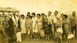 """חברי """"קבוצת ווסטרוויל"""" בביקור במאהל בדואי קיץ 1964"""